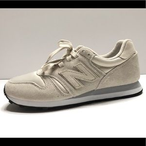 NEW new balance 373 womens ivory sneakers size 7